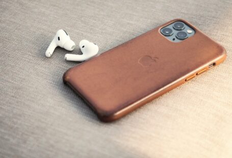 How to choose the right phone case?